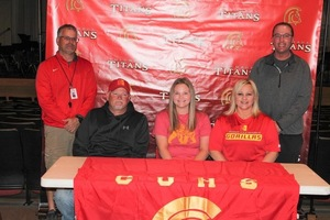 Bailey Monroe signs for Pitt State